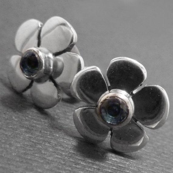 Daisy Earrings Topaz