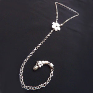 Daisy Chain Necklace I